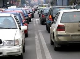 Guvernul amana decizia in privinta taxei auto