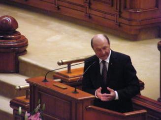 Guvernul ar putea modifica joi Legea referendumului - surse