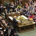Guvernul britanic va convoca, luni, un nou vot pentru declansarea de alegeri anticipate