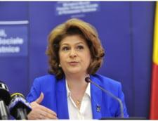 Guvernul dubleaza alocatiile copiilor din familiile sarace, odata cu alegerile prezidentiale