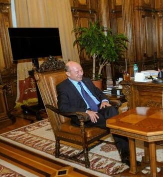 Guvernul i-a dat lui Basescu vila din care a fost evacuata Mioara Roman