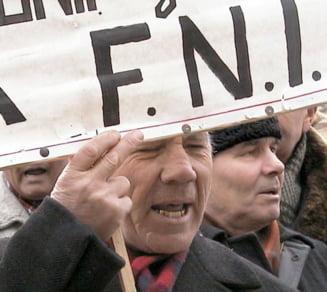 Guvernul nu gaseste bani ca sa ii despagubeasca pe deponentii FNI