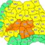 HARTA Codul portocaliu de ploi abundente a fost prelungit pana luni. Mai mult de jumatate din tara ramane sub cod galben