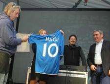 Hagi, primit ca un erou in Italia