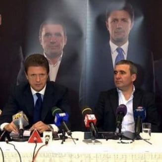 """Hagi si Gica Popescu, """"mitraliati"""" de un fost patron din Liga 1"""