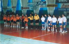 Handbal: Arbitrul tulcean Ursu, cel mai longeviv din Romania!