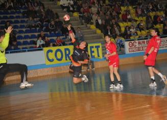 Handbal masculin. Liga Nationala - HC Minaur Baia Mare - Pandurii Tg. Jiu 28-33 (9-17)