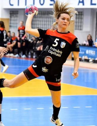 Handbalista Iulia Curea renunta la cariera de jucatoare si devine antrenor secund la CSM Bucuresti