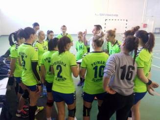 Handbalistele de la CSM Slatina se pregatesc pentru barajul de promovare