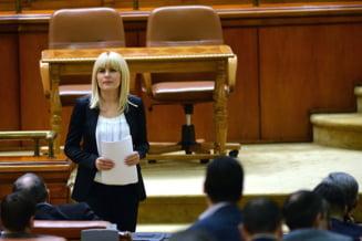 Haos in Parlament: Elena Udrea poate fi retinuta, nu si arestata
