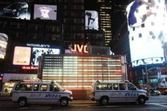 Haos in Times Square - alerta dupa o scurgere de materiale chimice periculoase