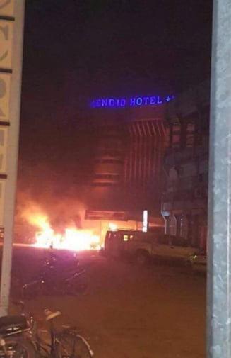 Haos total la un hotel de 4 stele atacat de teroristi: Flacari, impuscaturi si zeci de morti