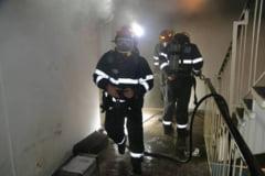 Harghita: Incendiu intr-o garsoniera din Miercurea Ciuc. Peste 20 de locatari din bloc au fost evacuati