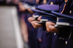 Hartuirea sexuala din Politie: Comisarul care-si folosea functia pentru a obtine favoruri de la o tanara agent