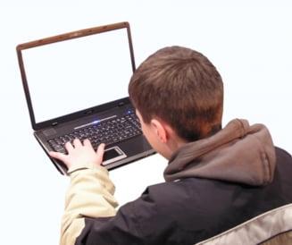 Hartuirea si abuzul, problemele semnalate de romani pe Internet