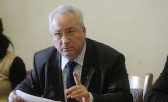 Hasotti: Doi deputati PDL au semnat motiunea de cenzura