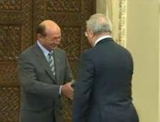 Hasotti a depus juramntul - vezi ce i-a transmis Basescu