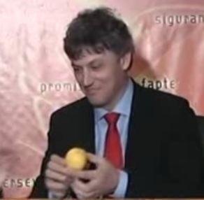 Hasotti a primit o lamaie, sa-i taie greata de Basescu (Video)