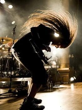 Headbangingul, periculos pentru fanii rockului