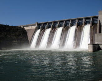 Hidroelectrica da afara 500 de angajati