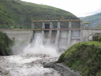 Hidroelectrica da afara sefii, dar aduce 67 de manageri in loc