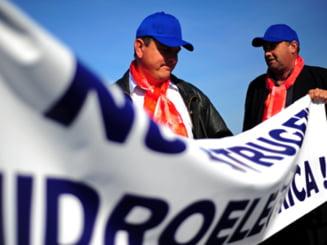 Hidroelectrica va renegocia contractele pentru constructii, menenanta si reparatii
