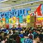 Hipermarketurile isi deschid portile in a doua zi de Paste