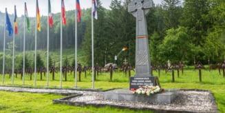 Hotararea Consiliului Local Darmanesti prin care Cimitirul International al Eroilor din Valea Uzului era trecut in domeniul public al orasului bacauan, anulata in prima instanta