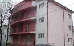 Hotel special pentru practica unor liceeni din Vrancea. Viitorii gastronomi si tehnicieni in turism isi asteapta clientii