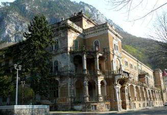 Hotelul Traian din Baile Herculane este scos din nou la vanzare, la jumatate din valoarea initiala. Pretul cerut de proprietar