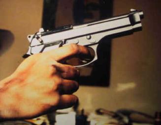 Hoti opriti cu focuri de arma in Bucuresti
