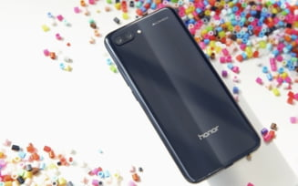 Huawei lanseaza o copie de iPhone X si mai ieftina decat P20