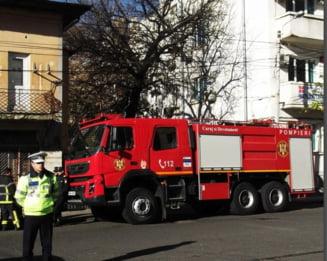 Hunedoara: Sase masini au fost distruse de flacari. Focul a fost pus intentionat