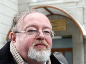 ICCJ mentine interdictia de a parasi tara in cazul lui Florin Costiniu
