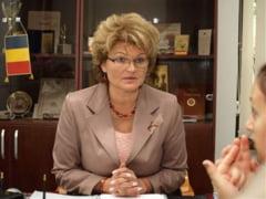 """INTERVIU : Mihaela Hunca, despre clisee si ipocrizie - Nu am habar la ce fel de """"vedete"""" faceti trimitere"""