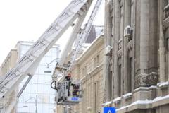 ISU Bucuresti: Pompierii sunt chemati sa curete orasul de turturi si nu mai au timp de incendii