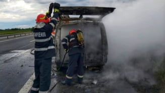 ISU Giurgiu, interventie incendiu microbuz, in aceasta dimineata (FOTO)
