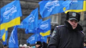 Ianukovici si Timosenko intra in turul doi la prezidentialele din Ucraina