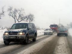 Iarna isi arata deja coltii: Masini blocate in zapada si trafic ingreunat