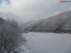 Iarna nu se lasa dusa: Informare meteorologica de lapovita, ninsoare si vant puternic