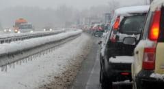 Iarna revine in Europa: Zapada, scoli si aeroporturi inchise, trafic blocat (Video)