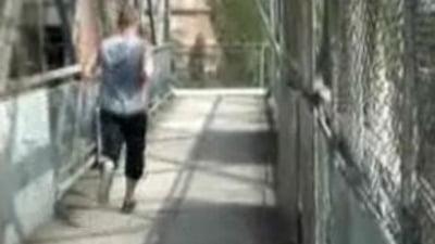 Iasi: Copil de 13 ani electrocutat dupa un pariu cu prietenii