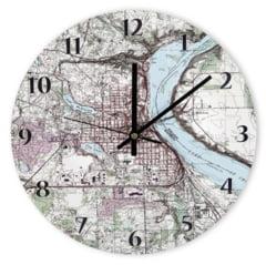 Idei de cadouri: Ceas personalizat cu harta topografica