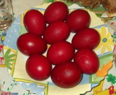 De pasti in fiecare casa ouale rosii stau pe masa
