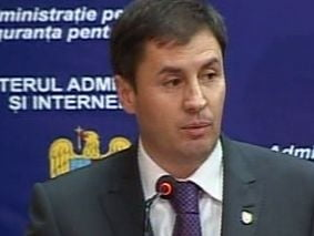 Igas, primul pe lista ministrilor remaniabili - Sondaj