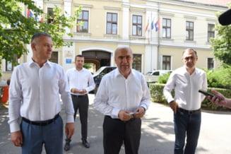 """Ilie Bolojan, noul sef al Consiliului Judetean Bihor, da afara jumatate din angajatii institutiei. """"Unii nici nu aveau loc prin birouri"""""""