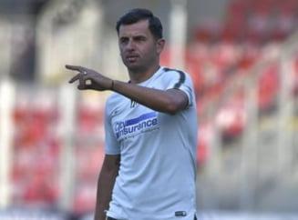 "Ilie Dumitrescu il avertizeaza si ""trage de urechi"" pe Nicolae Dica"
