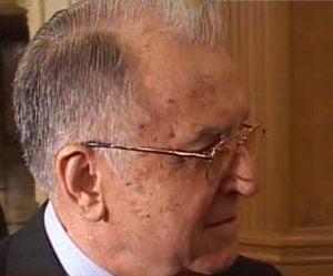 Iliescu: Cum isi permite Basescu sa spuna 'Sa zica mersi ca nu i-am chemat la Cotroceni?'