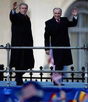 Iliescu: Curcubeul din timpul vizitei lui Bush, fabricat de SPP