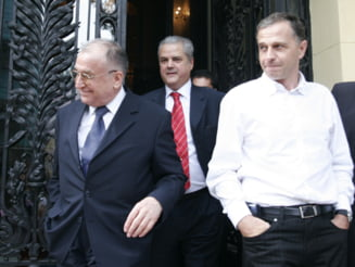 Iliescu, Geoana si Nastase, invitati permanenti la sedintele PSD